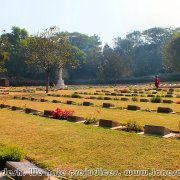Commonwealth_War_Cemetery_03